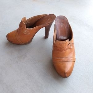 Vintage - 1970's Original Candie's Heeled Clogs